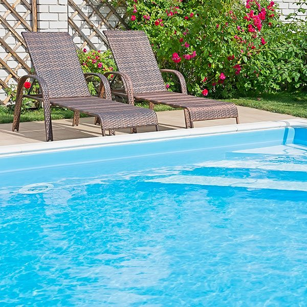 Purified pool water using reverse osmosis. Cleanest water purification system.